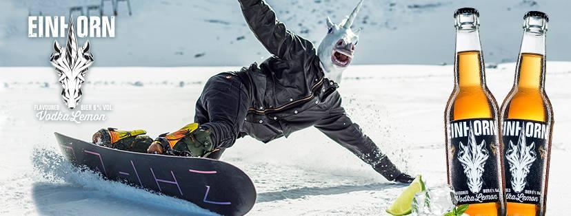Einhorn auf Snowboard